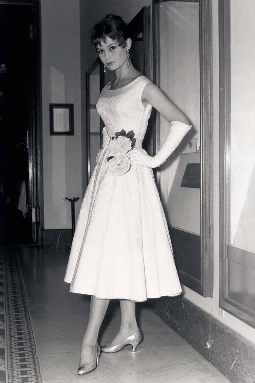 brigitte bardot cannes 1954